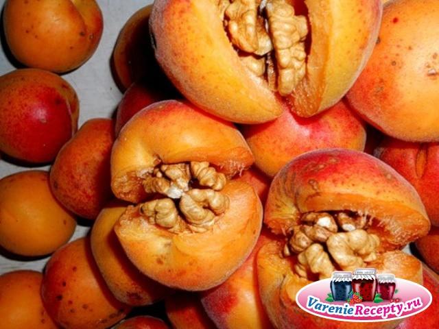 «Царское» варенье из абрикосов